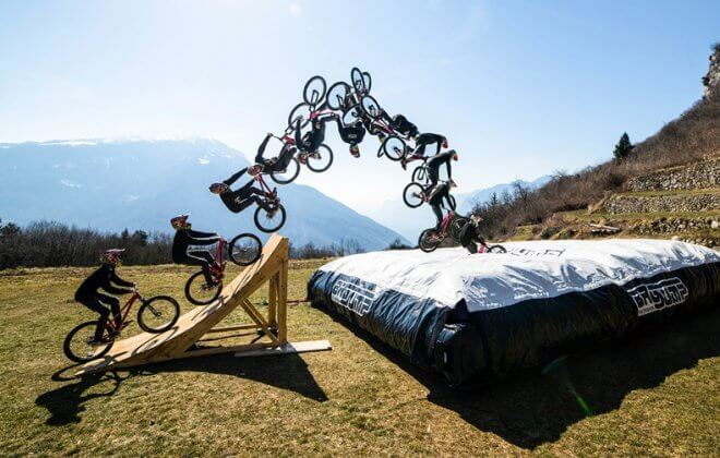 bagjump bike foam pit airbag standalone