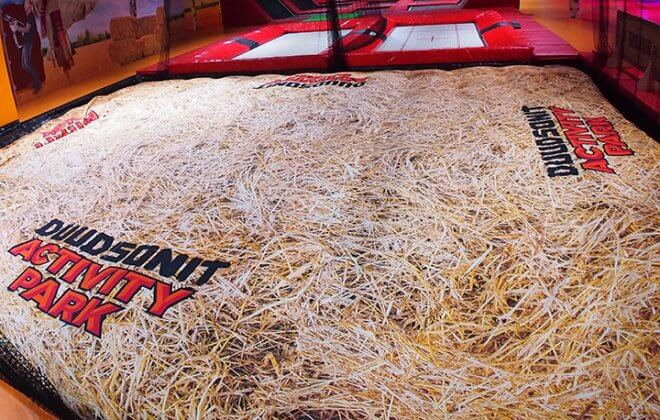 duudsonit activity park foam pit airbag hay branding