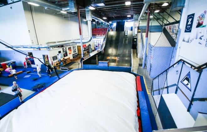 indoor freestyle academy bagjump foam pit airbag