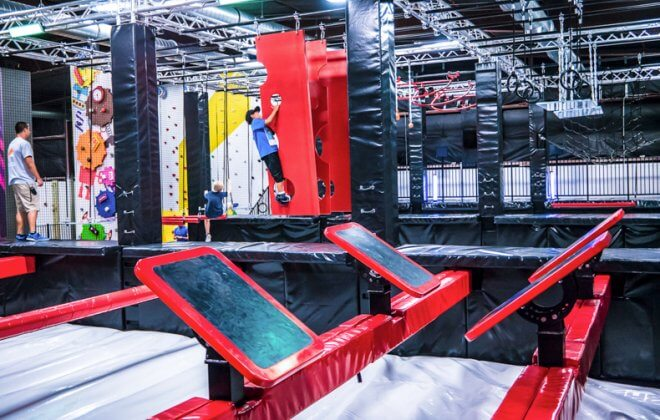 ultimate ninja warrior course bagjump airbag walltopia