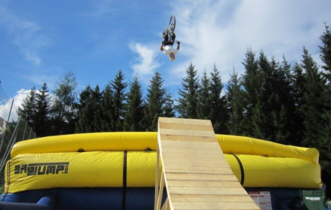 bagjump bike allround airbag backflip