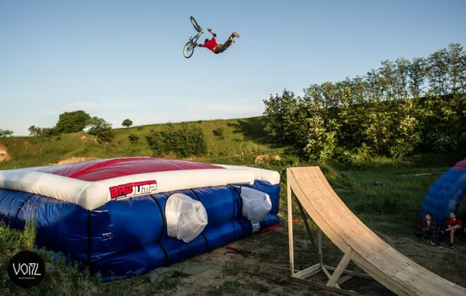 bagjump allround airbag bike jump