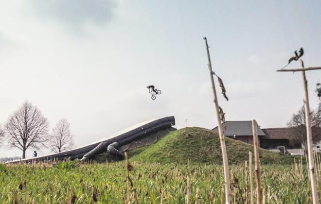 bike bagjump landing airbag