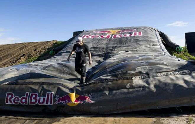 Bagjump Landing airbag branded with the Redbull Logo