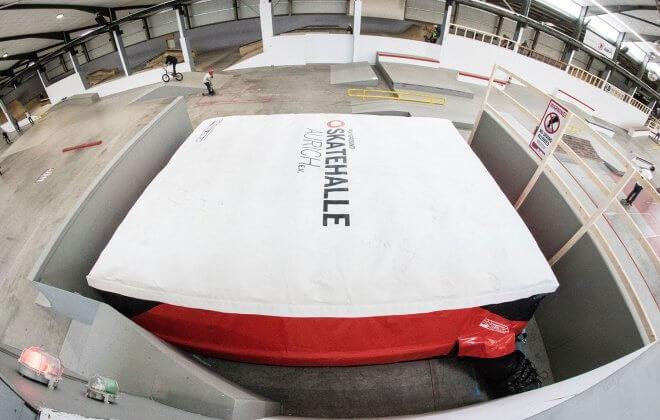 Standalone airbag at Skatehalle Aurich