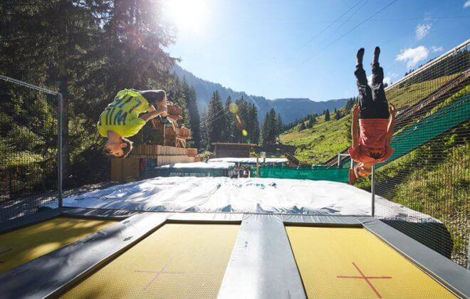 Jump and Slide Saalbach Hinterglemm trampoline airbag station