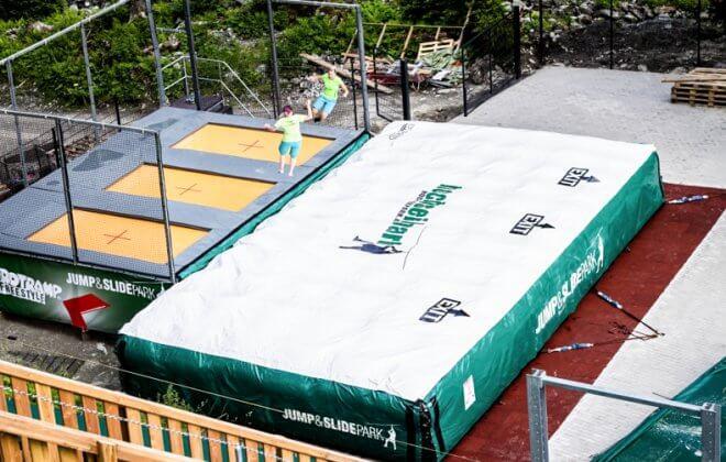 jump and slide adventure park trampoline Bagjump airbag station