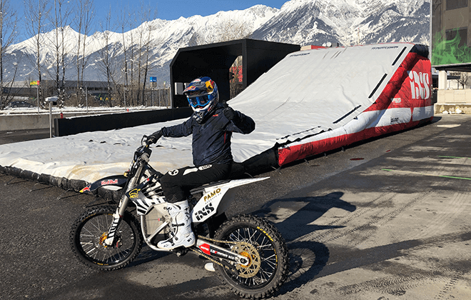 Mat Rebeaud_Red Bull Switzerland - BAGJUMP OnePiece FMX Landing 2020_3